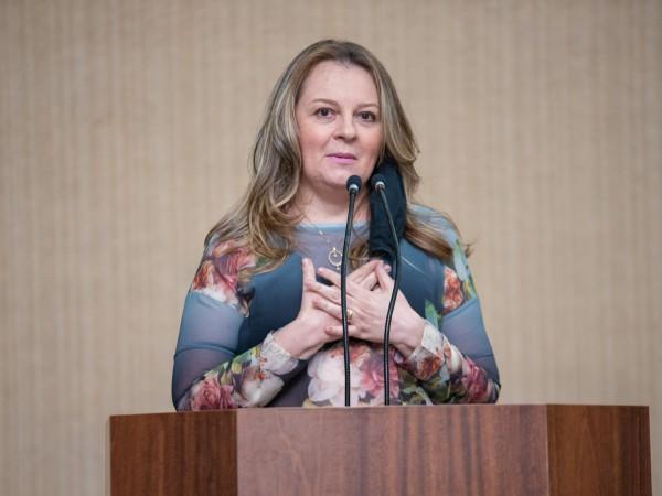 Eleita pelo DEM, vereadora Mirta Duarte agradece à população