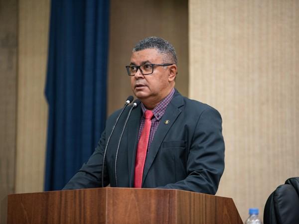 Vereador Luiz Alberto faz esclarecimentos na última Sessão Ordinária de 2020
